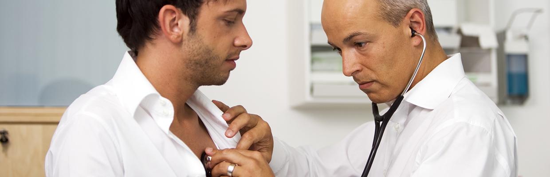 Ärztin Körperliche Untersuchung Körperliche Untersuchung
